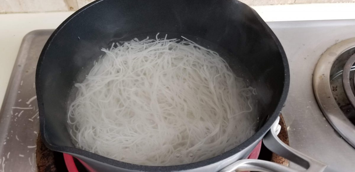 cooking rice noodles