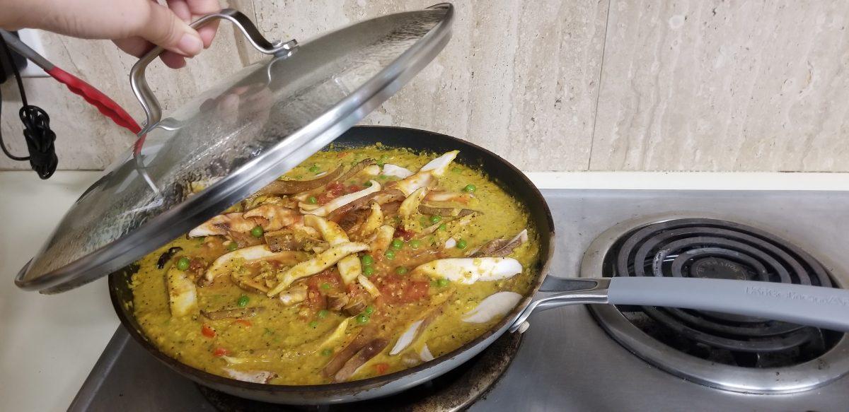 Vegan Mushroom Mutter Chettinad boiling