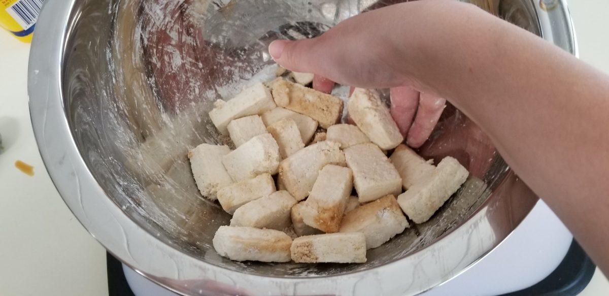 adding corn starch to tofu