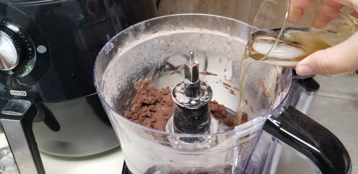 adding vanilla and icewater to vegan cheesecake