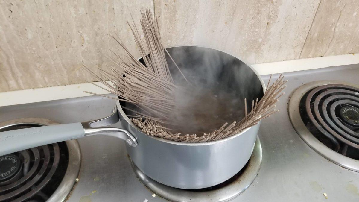 boiling vegan soba