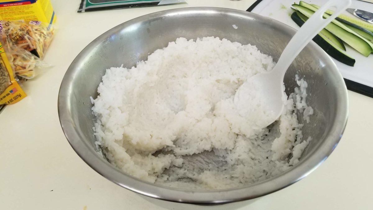 mash sushi rice for veggie sushi rolls ヴィーガン肉魚卵乳なし